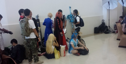 People waiting to enter Thailand Comic Con 2014